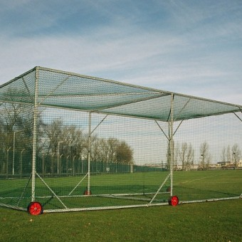 Main Ultimate Heavy Duty 6 Wheeled Cage